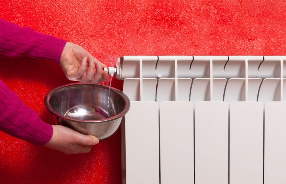 Odvzdušnenie radiátora bez ventilu Teplý domov